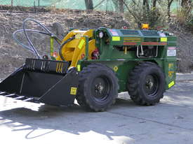 KANGA WR825 WHEEL REMOTE CONTROL SKID STEER LOADER - picture11' - Click to enlarge