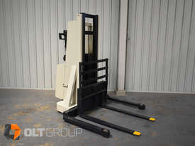 Used Crown Walkie Stacker 1 Tonne Lift Truck Container Mast Full Free Lift  - picture3' - Click to enlarge