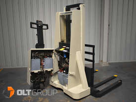 Used Crown Walkie Stacker 1 Tonne Lift Truck Container Mast Full Free Lift  - picture8' - Click to enlarge