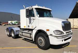 2009 Freightliner Columbia CL120 FLX