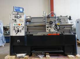 410mm Swing Centre Lathe, 52mm Spindle Bore - picture2' - Click to enlarge