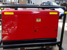 Lincoln Vantage 575 Diesel Welder Generator 3 Phase 415 Volt Supply - picture0' - Click to enlarge