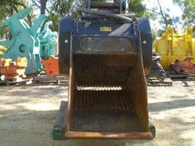 BOST 2008 CRUSHER BUCKET Jaws  - picture0' - Click to enlarge
