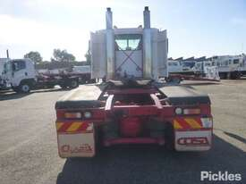 2004 Freightliner Century Class FLX C120 - picture6' - Click to enlarge