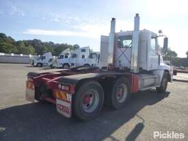 2004 Freightliner Century Class FLX C120 - picture7' - Click to enlarge