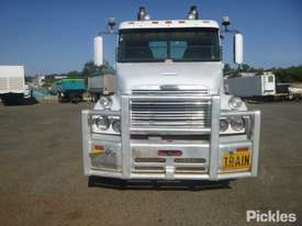 2004 Freightliner Century Class FLX C120 - picture1' - Click to enlarge