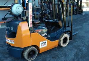 Toyota Forklift 32-8FGK25 COMPACT