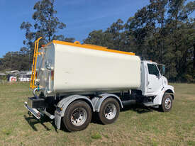 Sterling LT7500 Water truck Truck - picture0' - Click to enlarge