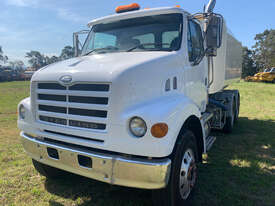 Sterling LT7500 Water truck Truck - picture2' - Click to enlarge