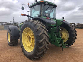 John Deere 8320 FWA/4WD Tractor - picture2' - Click to enlarge
