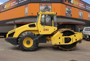 BOMAG VIBRATING PAD FOOT ROLLER