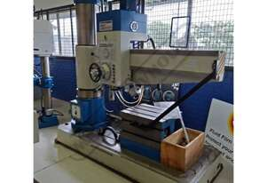 Z3050x16 Radial Arm Drill 16 x Spindle Speeds: 25 ~ 2000rpm 50mm Drilling Capacity
