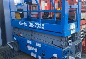 Genie 20ft   scissor lift