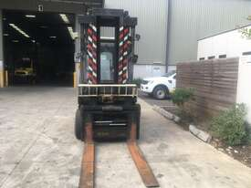 8.0T Diesel  Counterbalance Forklift - picture0' - Click to enlarge