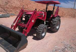 Mahindra 4WD Tractor. Low hours