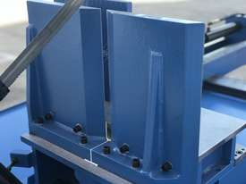 Big 620mm x 450mm Capacity - Double Mitre, Semi Auto, Hydraulic Clamp - picture17' - Click to enlarge