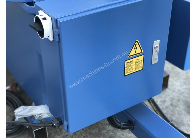 Big 620mm x 450mm Capacity - Double Mitre, Semi Auto, Hydraulic Clamp
