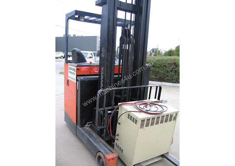 Toyota 6FBRE16 Battery / Electric *LOW HOURS*