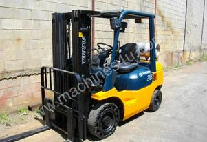 Toyota 2.5 tonne Toyota forklift RENT ME