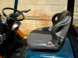Toyota 2.5 tonne Toyota forklift RENT ME - picture2' - Click to enlarge