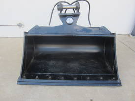 Tilt Bucket w/BOE to suit 5-6t Excavators