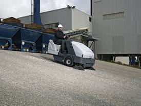 Nilfisk Ride On Diesel Sweeper SR1601  - picture9' - Click to enlarge