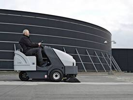 Nilfisk Ride On Diesel Sweeper SR1601  - picture10' - Click to enlarge