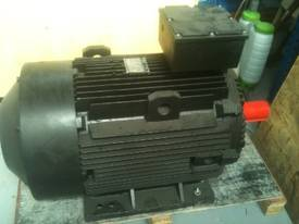 110 kw 150 hp 4 Pole 415 v AC Electric Motor - picture0' - Click to enlarge