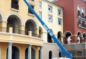 Genie SELF PROPELLED BOOM LIFT