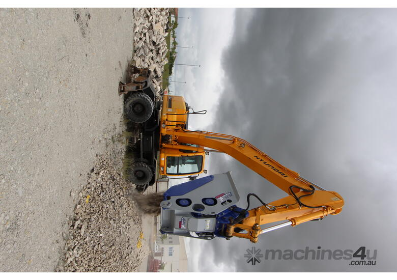 XCENTRIC 16T+ CRUSHER BUCKETS   RENT-TRY-BUY TODAY!