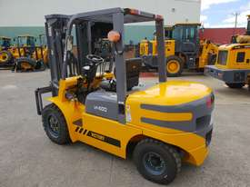 Victory VF40D diesel forklift - picture2' - Click to enlarge