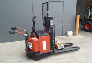 BT Electric Pallet Stacker with rider platform - Price Reduced!