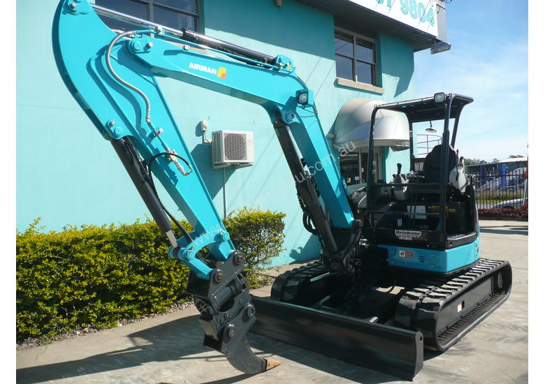 5.0 Tonne Airman Excavator for HIRE with Buckets & Ripper