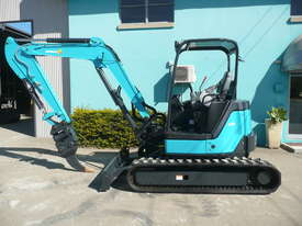 5.0 Tonne Airman Excavator for HIRE with Buckets & Ripper - picture2' - Click to enlarge