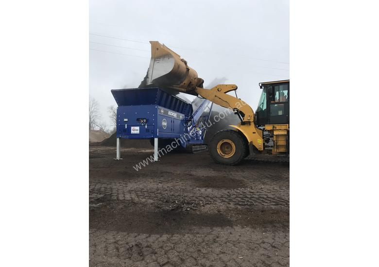 EDGE Mulch Master  |  For stockpiling of lower density, bulky materials - mulch, compost and soils