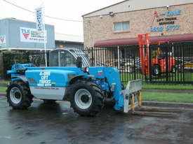 Rough Terrain Forklift - picture2' - Click to enlarge