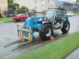 Rough Terrain Forklift - picture4' - Click to enlarge