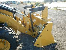 2018 CAT 432F2 Eco Turbo Powershift Backhoe Loader - picture5' - Click to enlarge