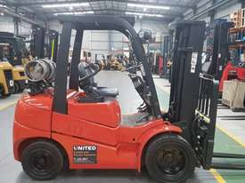 Clark 3T Used LPG Forklift C30L - picture0' - Click to enlarge