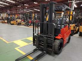 Clark 3T Used LPG Forklift C30L - picture1' - Click to enlarge