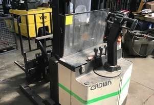 Crown   30WRTL102 Forklift