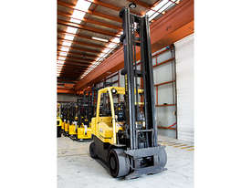 7.0T LPG Counterbalance Forklift  - picture0' - Click to enlarge