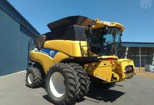 New Holland CR9080 & 45 FT Macdon Front