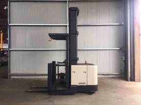 Crown SP3000 Stock Picker Forklift - picture1' - Click to enlarge