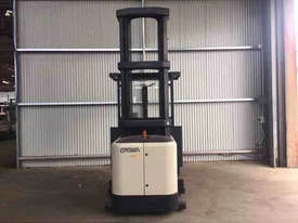 Crown SP3000 Stock Picker Forklift - picture3' - Click to enlarge
