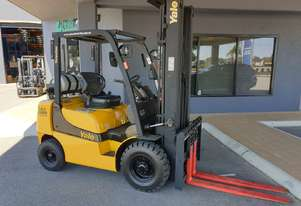 Yale 1980KG LPG Forklift with 5500mm Three Stage Mast