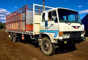Hino   FF177 28ft cattle truck