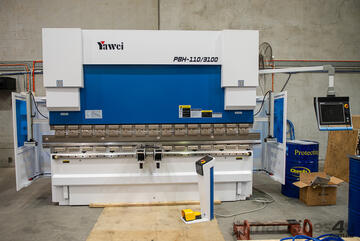 Yawei CNC Pressbrakes. Sizes and configurations for all of your bending requirements.