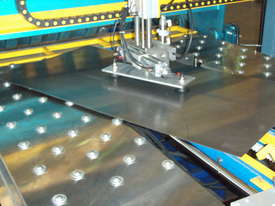 Fasfold Pressbrake and folder automation - picture3' - Click to enlarge
