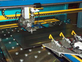 Fasfold Pressbrake and folder automation - picture0' - Click to enlarge